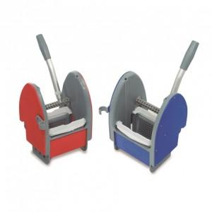 PRENSA DE PLÁSTICO, Prensa de plástico para carros de fregado. Disponible en rojo o azul