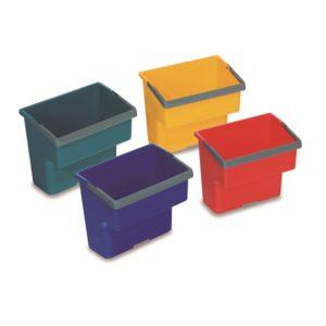 CUBO PLÁSTICO 4 LTS, Cubos de plástico de gran resistencia para uso en los carros. Disponible en varios colores